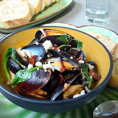 Moules Fromage Bleu-Blue with Bacon Cheese Mussels | A Spicy Perspective