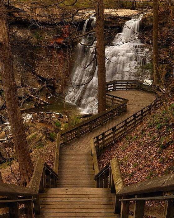 Brandywine Falls Located North Of Peninsula Ohio In The Cuyahoga