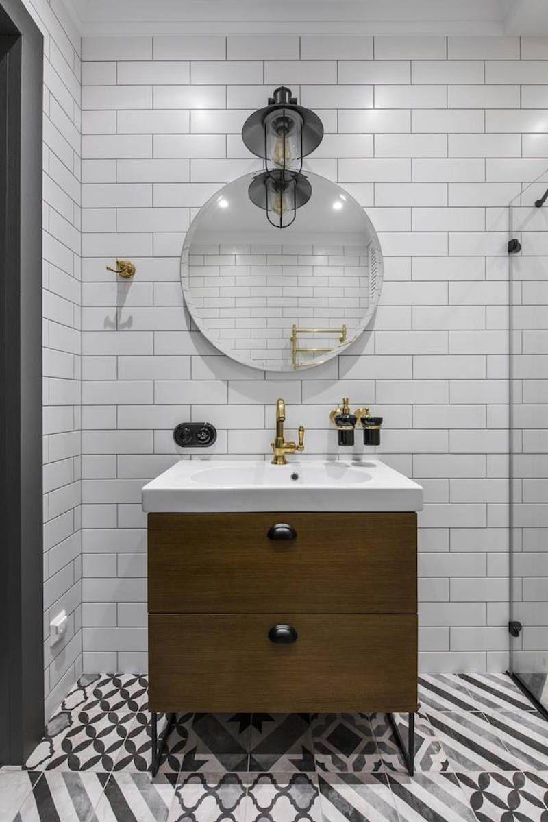Badezimmer eitelkeiten mit oberen speicher kleines city break apartment mit hohen decken und vielseitiger