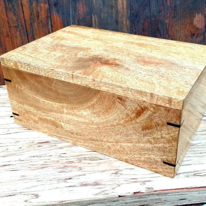 Mango Wood Keepsake Box With Ebony Splines And Black Velvet Etsy Wood Keepsake Box Velvet Interiors Wooden Gifts