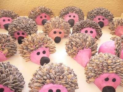 Plastilina Bambini ~ Erizos hecho con piña y plastilina manualidades pinterest