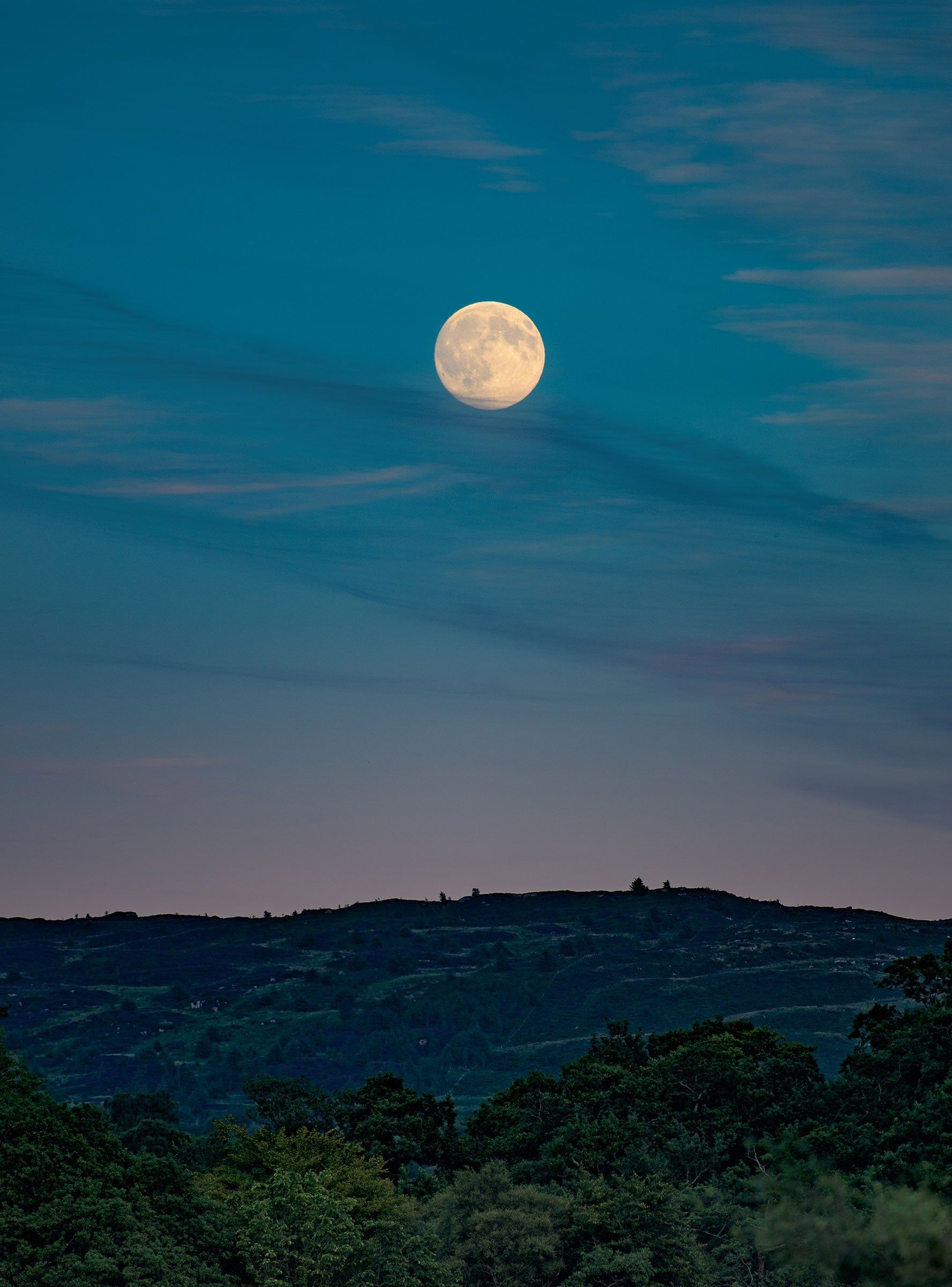 This Friday The 13th Brings Us A Full Harvest Moon In