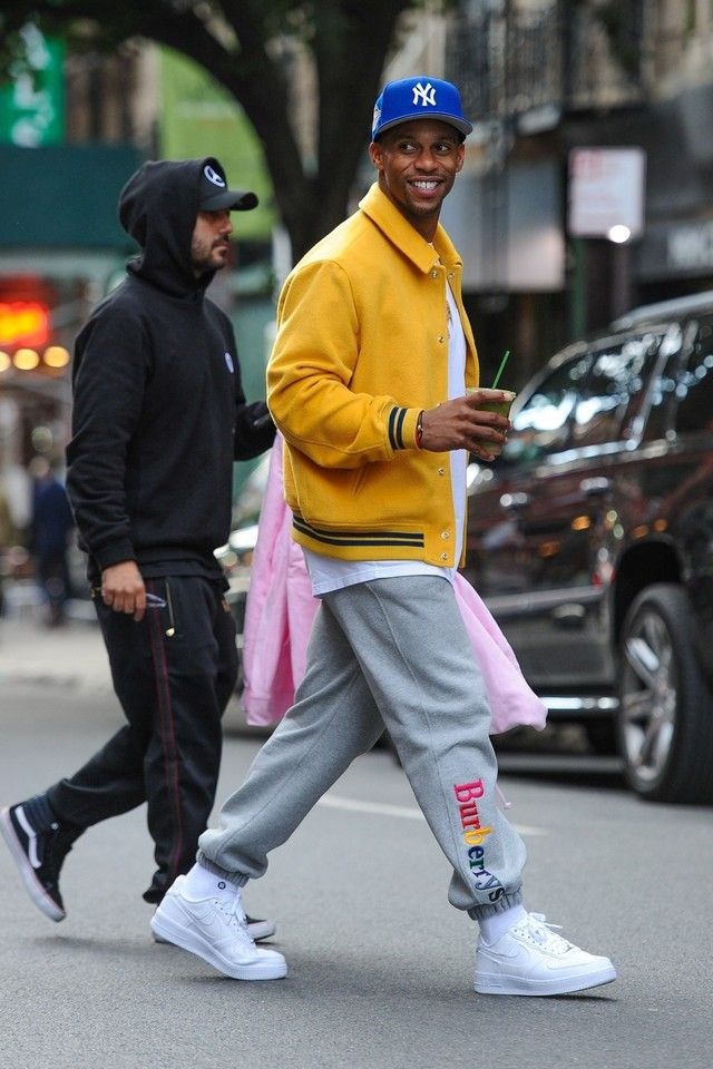 Drake Spotted Wearing Nike Air Max 1 Sneakers BLEU