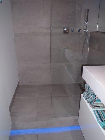 Gerealiseerde badkamer door Sanidrome van der Velden uit Eindhoven ...