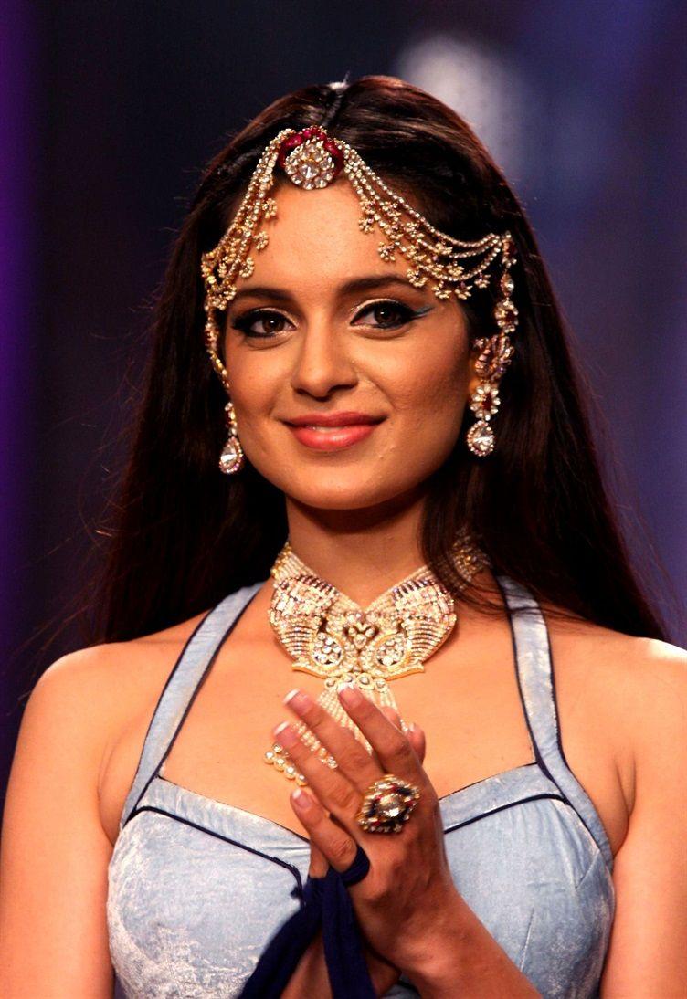 ways to wear tikkas and jhumars wedding jewelry wedding and