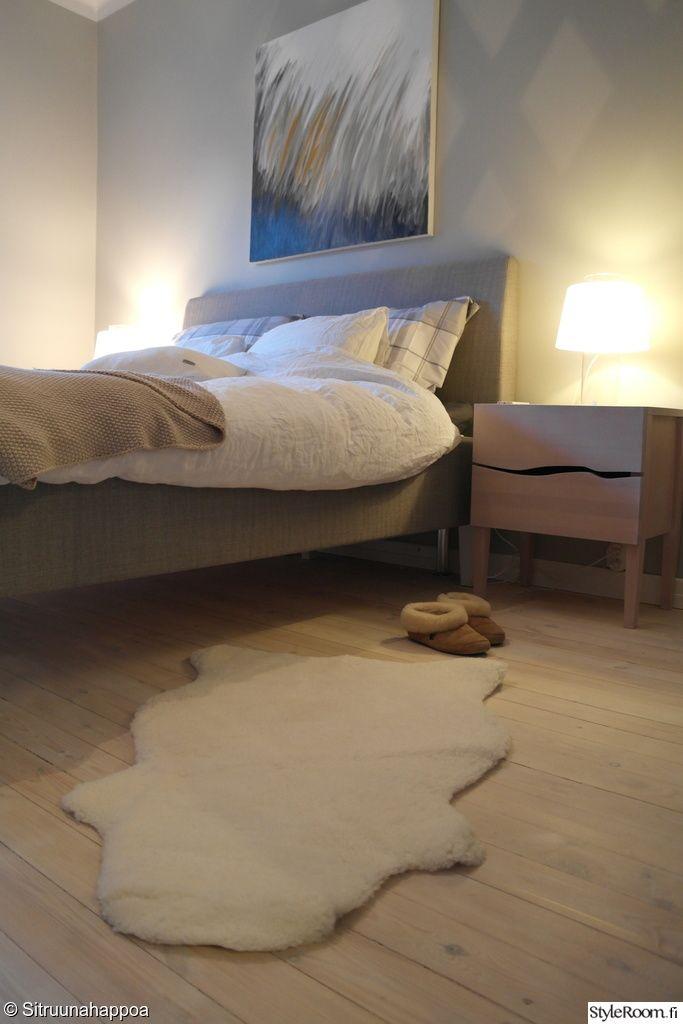 talja,sänky,makuuhuone,lautalattia,pöytävalaisin,design
