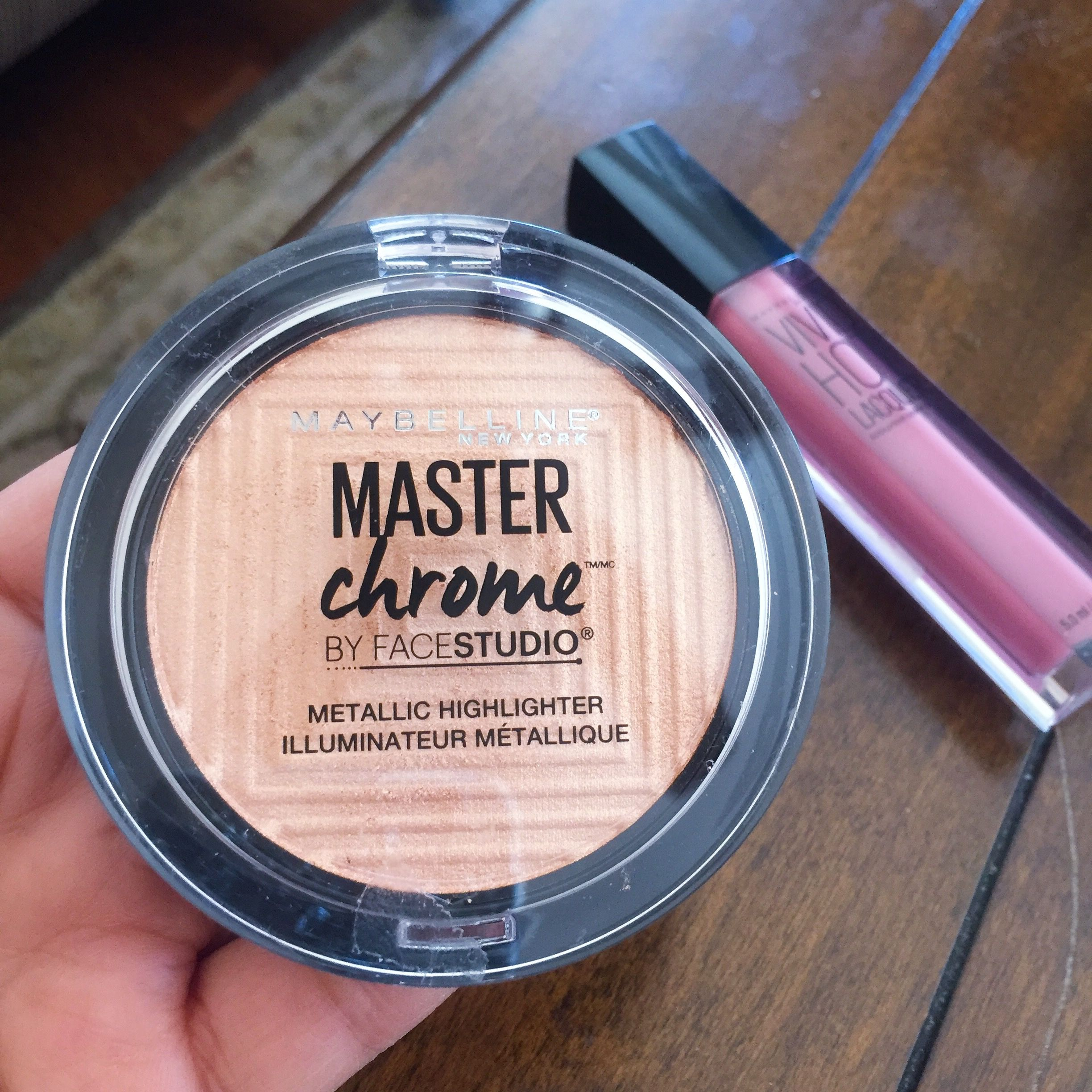 Hey Highlighter Lovers The Latest On Makeup News Is That Maybelline Face Studio V Shape Powder 01 Light Med Has Launched A New Called Master Chrome