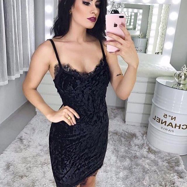 df6c13ef990fe6 Vestido preto de veludo molhado com renda | Style | Vestidos de ...