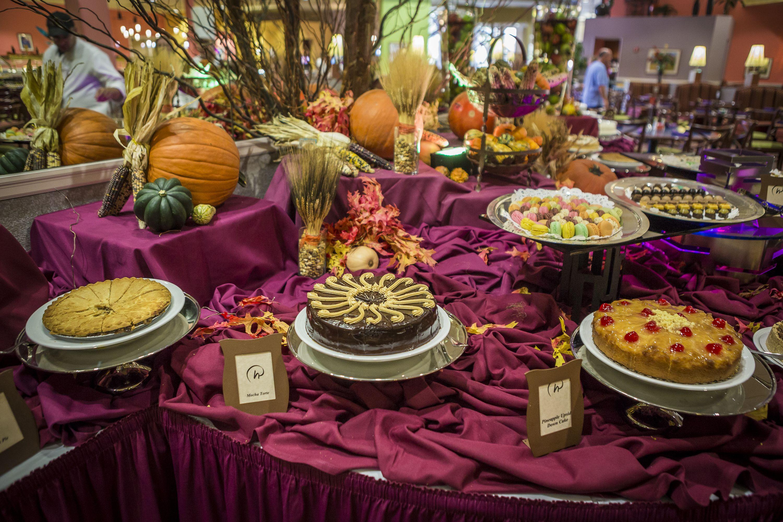 Rosen Centre hotel Thanksgiving Day Buffet in Orlando ...
