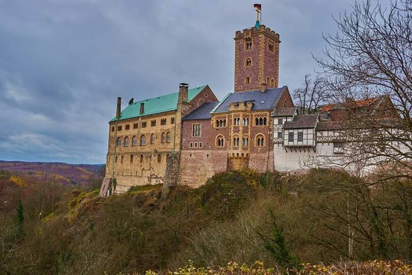 Die Wartburg In Eisenach Thueringen Castle Vacation Castle House Styles