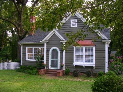 Sixty Fifth Avenue Exterior Paint Color Small House Exteriors Small House Exterior Paint Exterior Paint