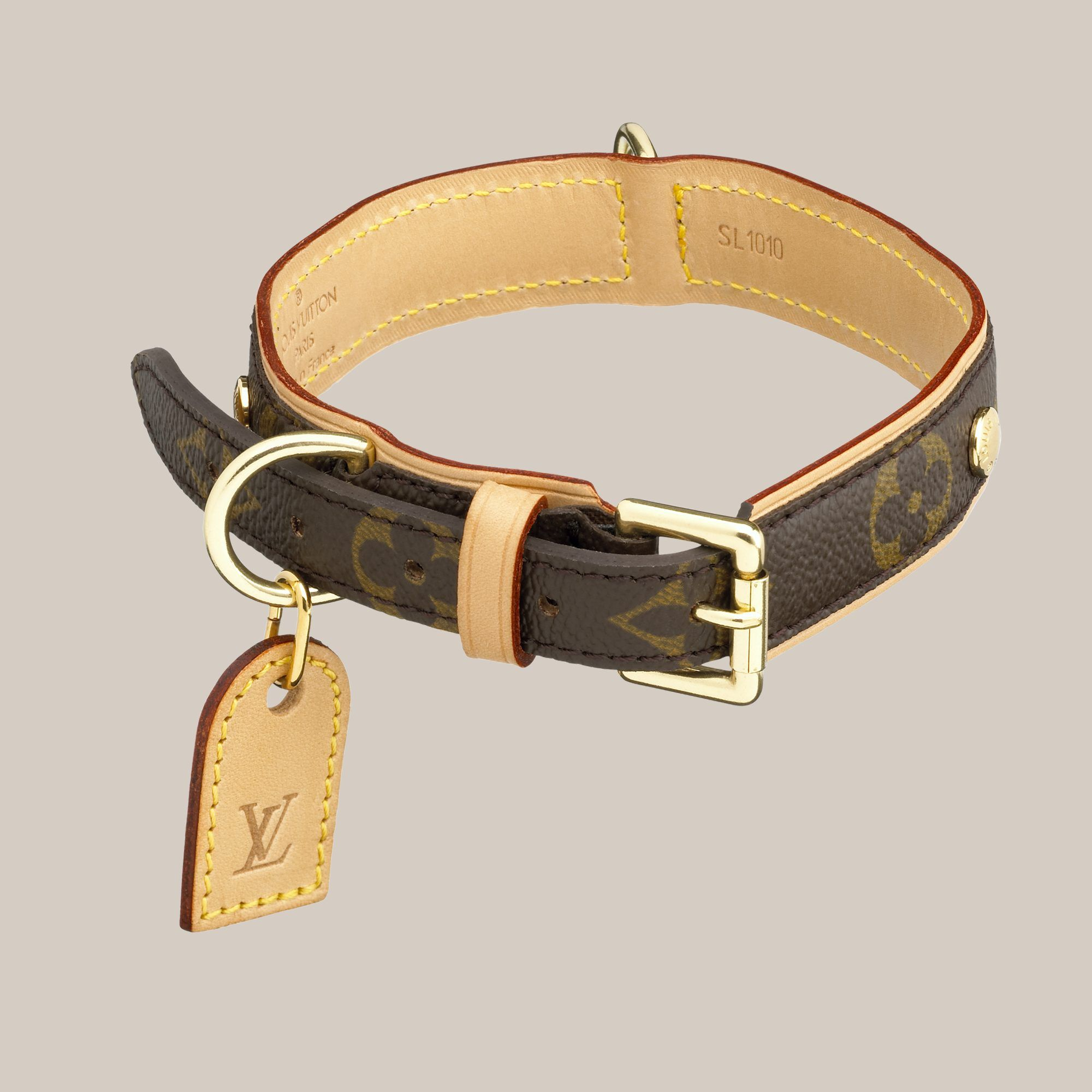 eca915802d16 Baxter Dog Collar MM - Louis Vuitton - LOUISVUITTON.COM  345 Size MM ...