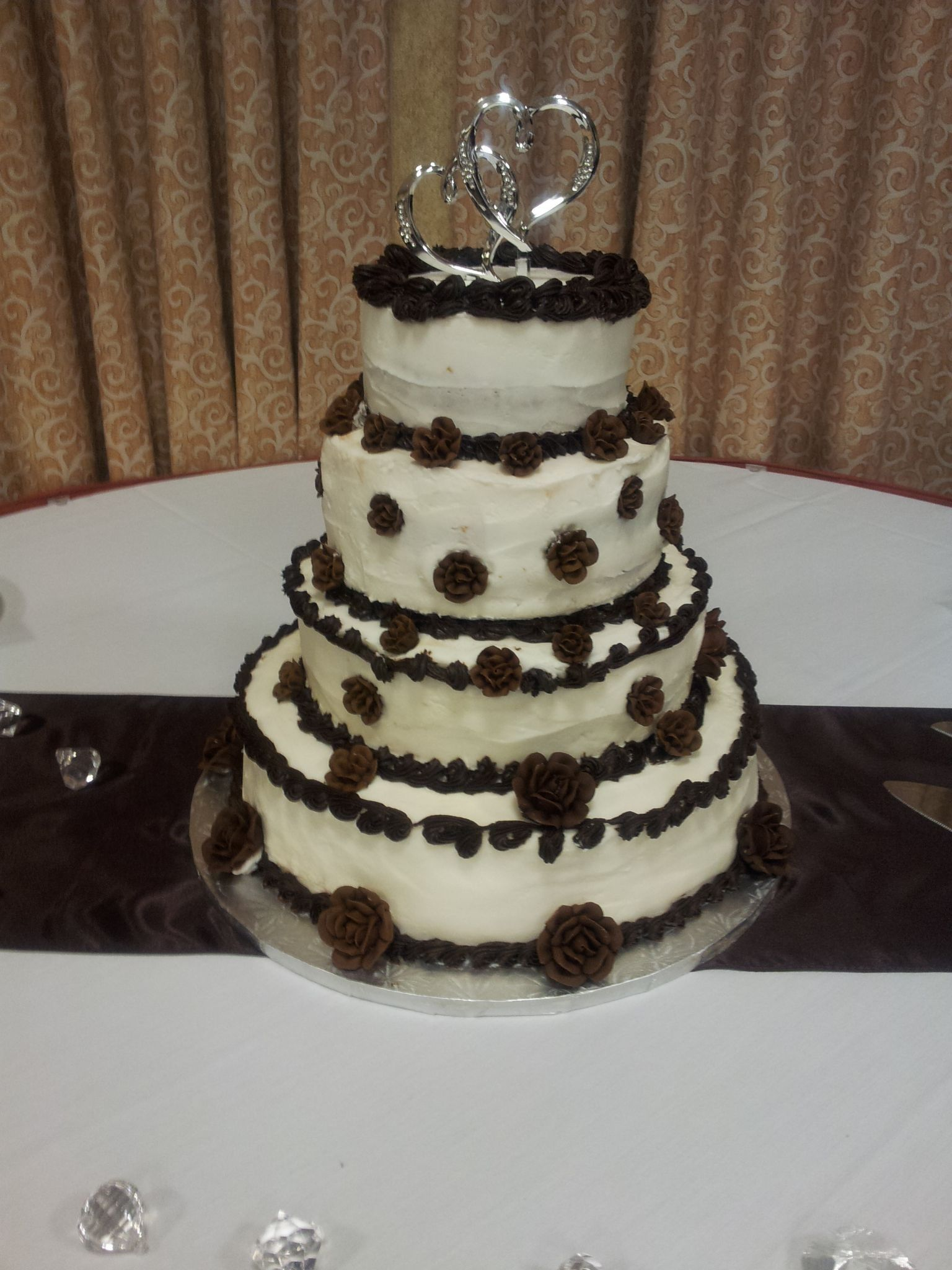 4tier wedding cake with 4 different flavorsthe bride