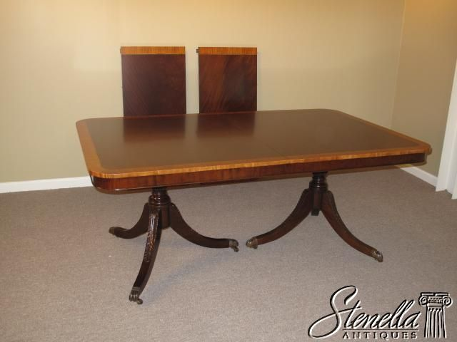 15758 Banded Mahogany Duncan Phyfe Dining Table For Sale