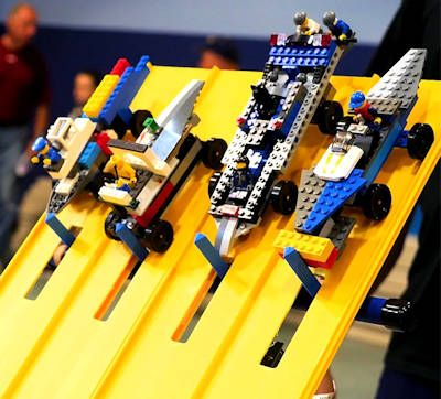 pinewood derby race cars