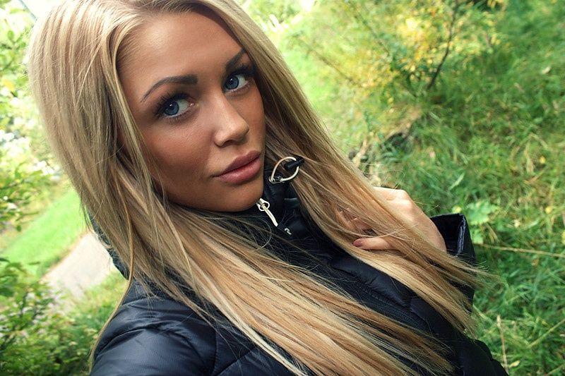 d656ef93e71 Isabelle Strömberg - Jak docílit její barvy (tmavá blond) vlasů  - Diskuze  Omlazení.cz (3)
