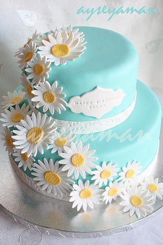 Superb Tiffanys Blue Cake With Daisy Flowers Tiffany Blue Cakes Daisy Funny Birthday Cards Online Alyptdamsfinfo