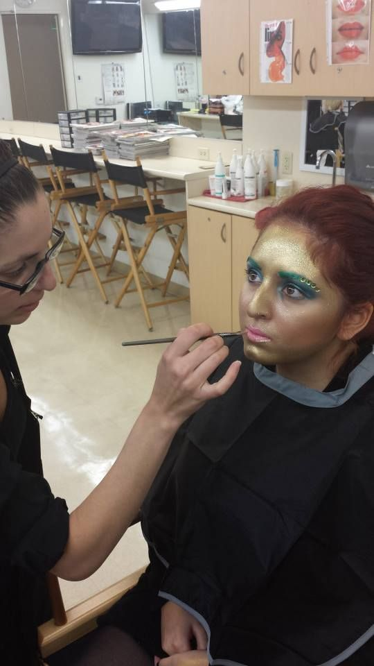 Bellus Academy make-up artistry students practiced Avantgarde in class! #makeup #artistry