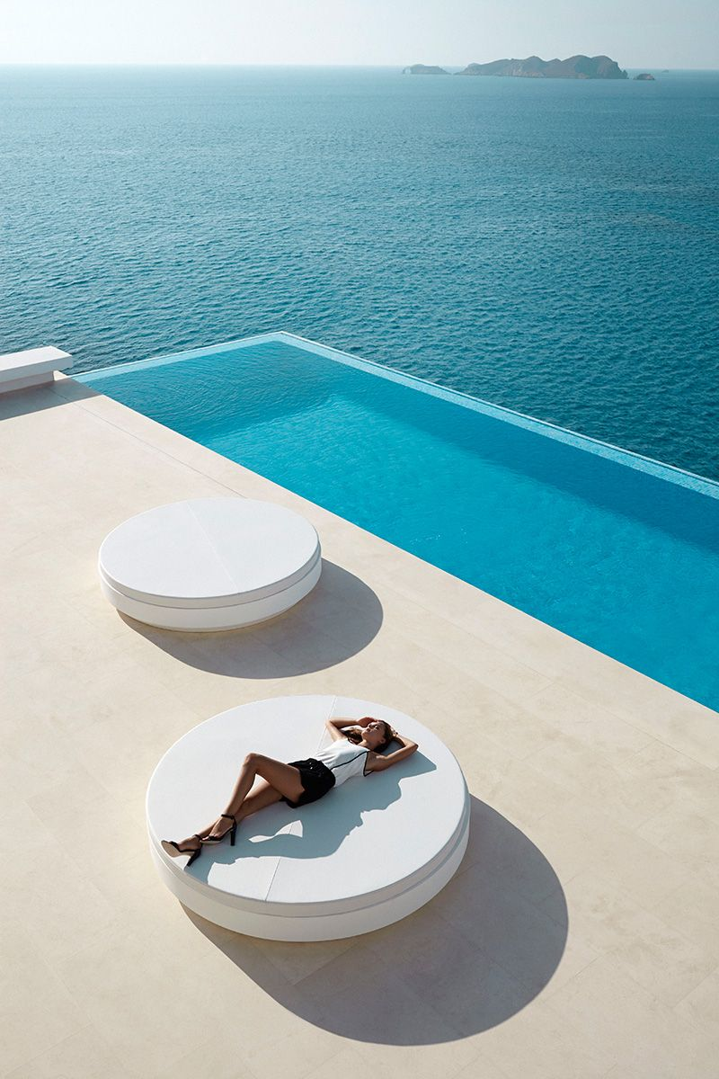 Vela vondom ram n esteve estudio pools pinned by - Ramon esteve estudio ...