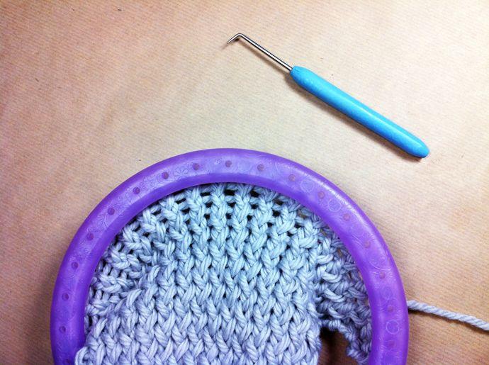 Tutorial Cómo tejer calentadores de lana con telar circular | DIY ...