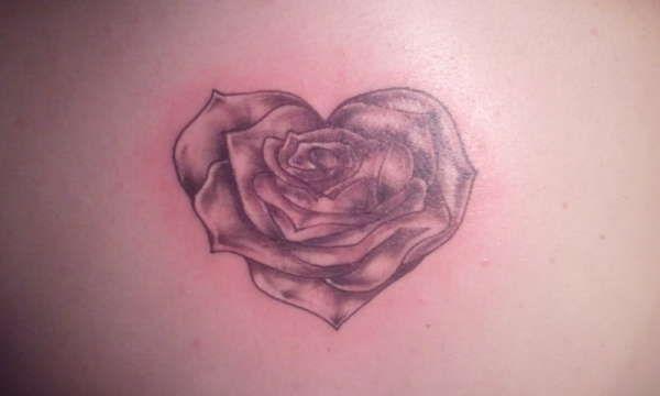 Heart Shaped Rose Tattoos Nail Art Tattoo Rose Heart Tattoo Shape Tattoo Rose Tattoos