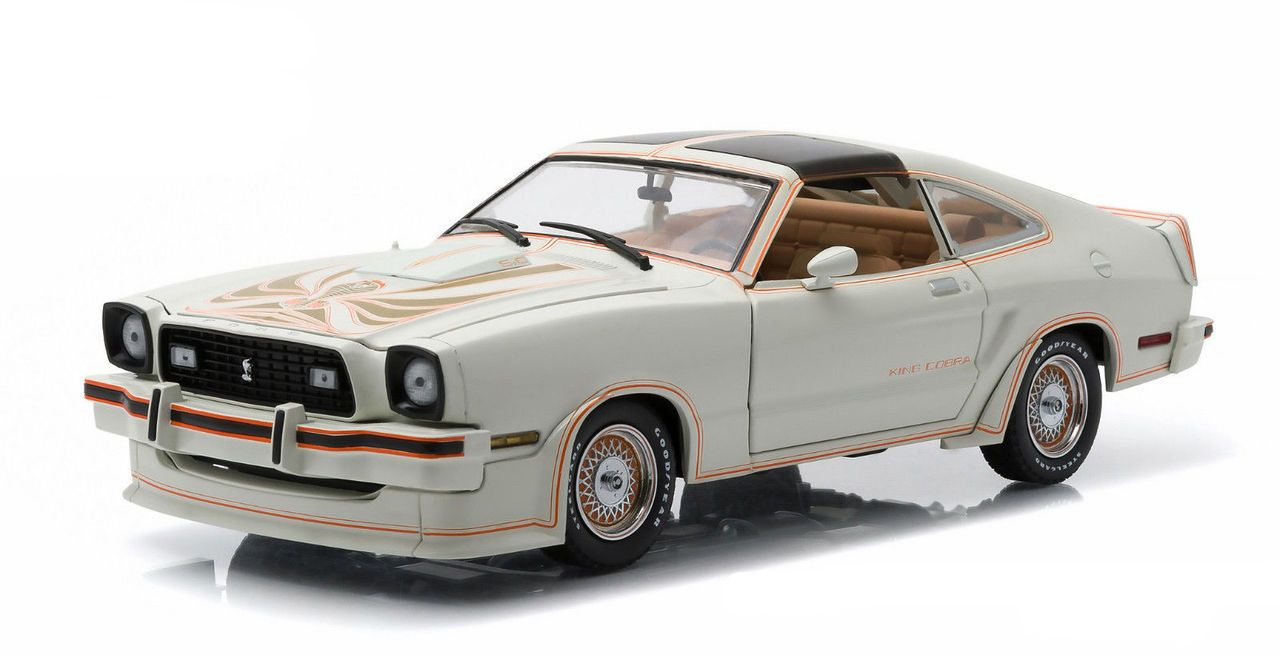 Diecast auto world greenlight 1 18 scale 1978 ford mustang ii king cobra white