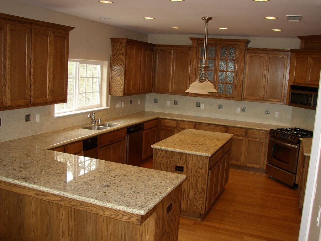 Oak Cabinets With Granite Countertops Pictures P3080321 In 2019 Back Splash Ideas Oak Kitchen