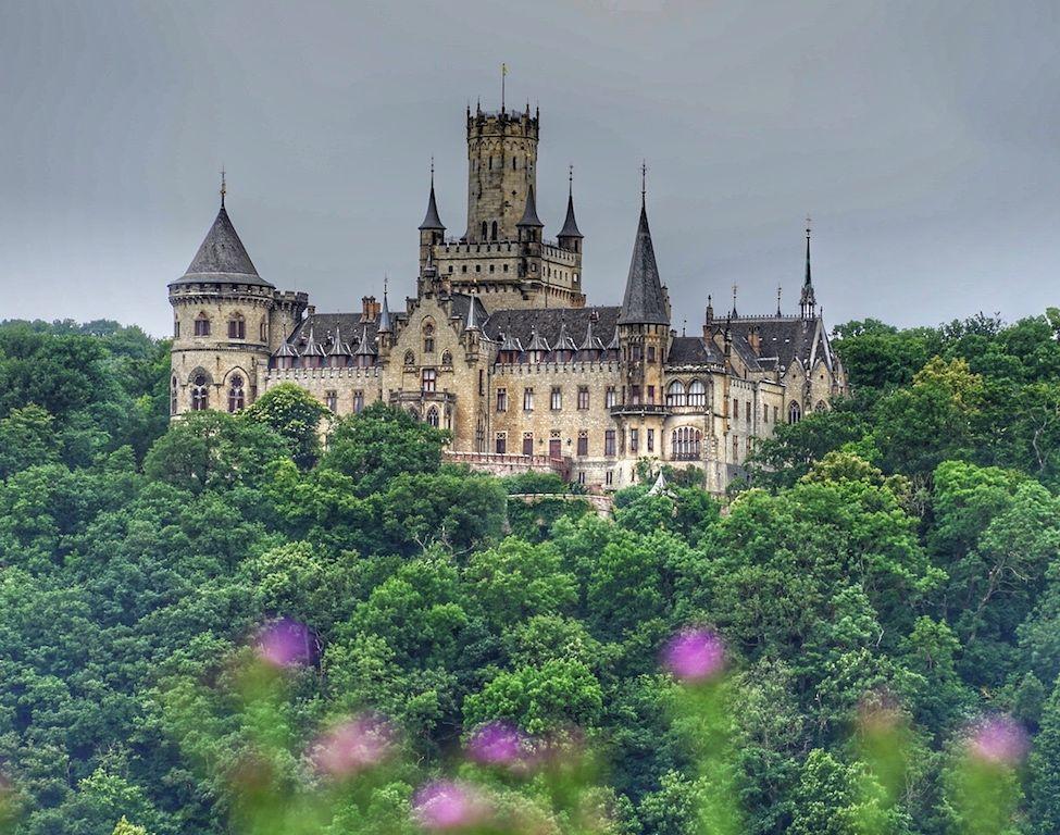 Schloss Marienburg Marchenhafter Bau Des 19 Jahrhunderts Burg Schloss Jahrhundert