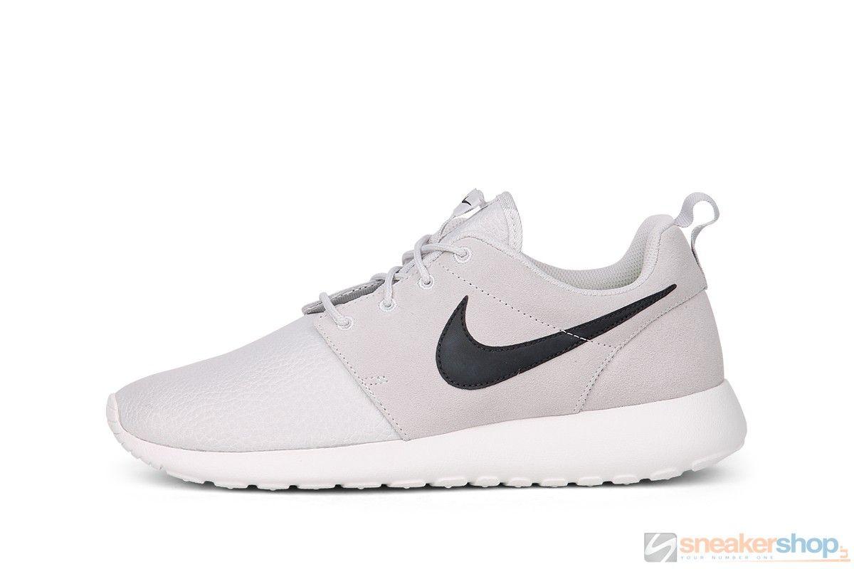 fa87a9453900 Nike Rosherun Suede (Light Ash Grey Black-Summit White-Volt ...