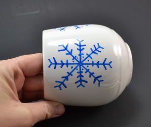 Super Simple Snowflake DIY Mugs is part of Simple snowflake, Snow flakes diy, Diy mugs, Snowflakes, Cute mugs, Mugs - >