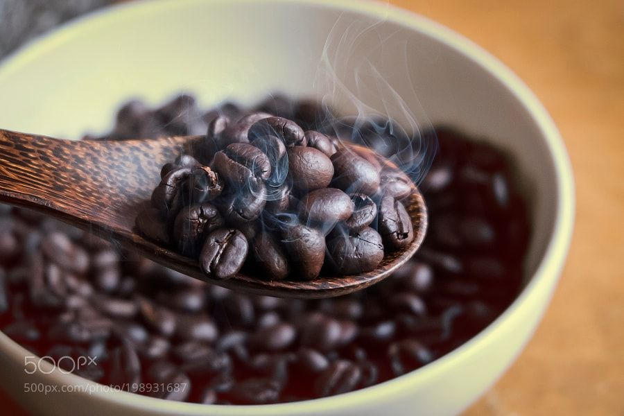 #food #uk coffee in spoon on coffee beans background by adisonpang7 https://twitter.com/buydianaboluk