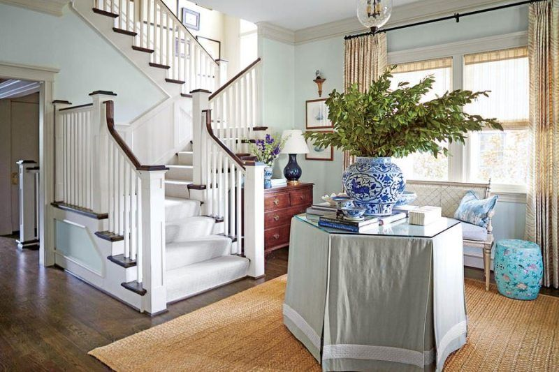 Amy Berry Makes Over A 100 Year Old Dallas Home Renovation Home Foyer Decorating