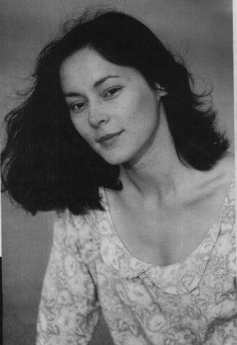 Meg Tilly Signed 8x10 Color Photo Cute Portrait Pretty And Colorful Entertainment Memorabilia