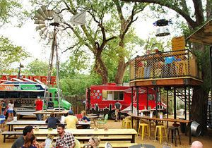 Why The Truck Yard Is Lower Greenville S New Hot Spot With Images Dallas Restaurants Food Park Beer Garden