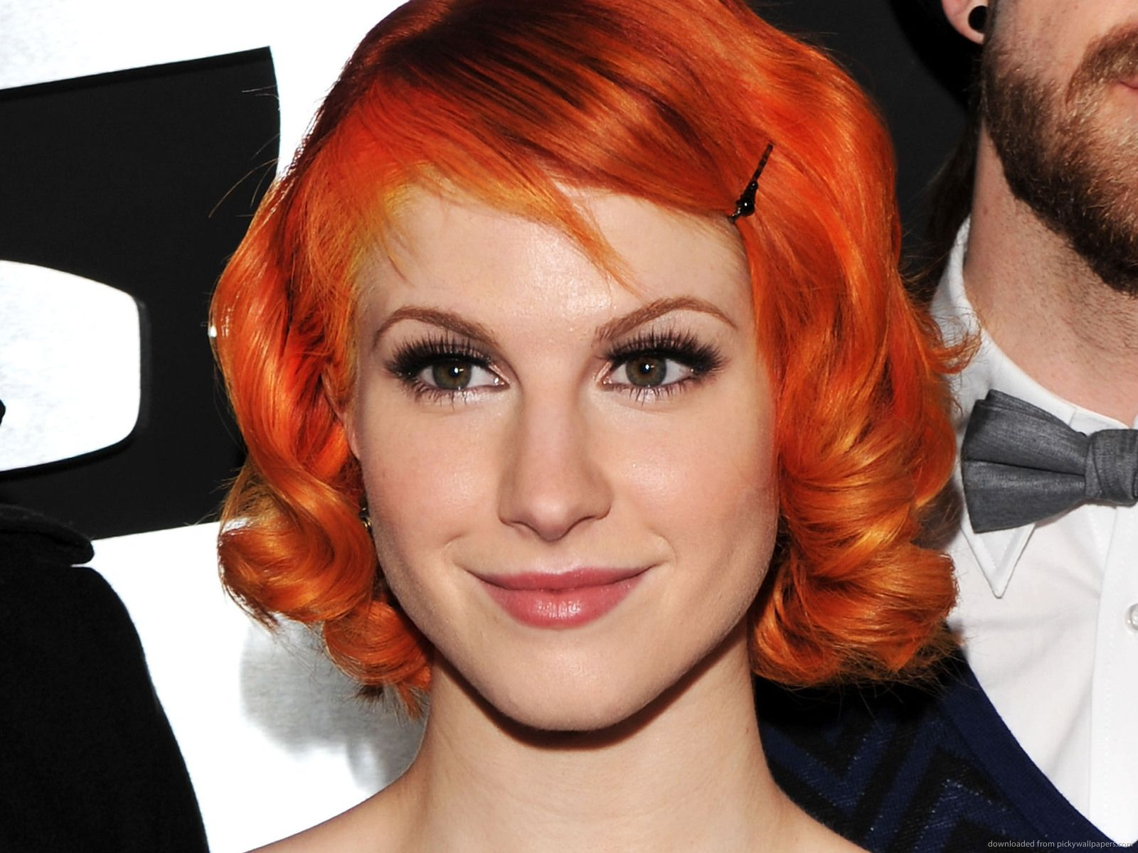 Hayley williams with curly hair pretty hair styles pinterest