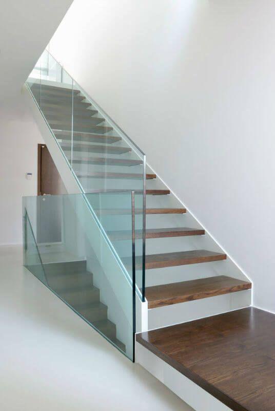 Plexiglass Staircase Hand Railing