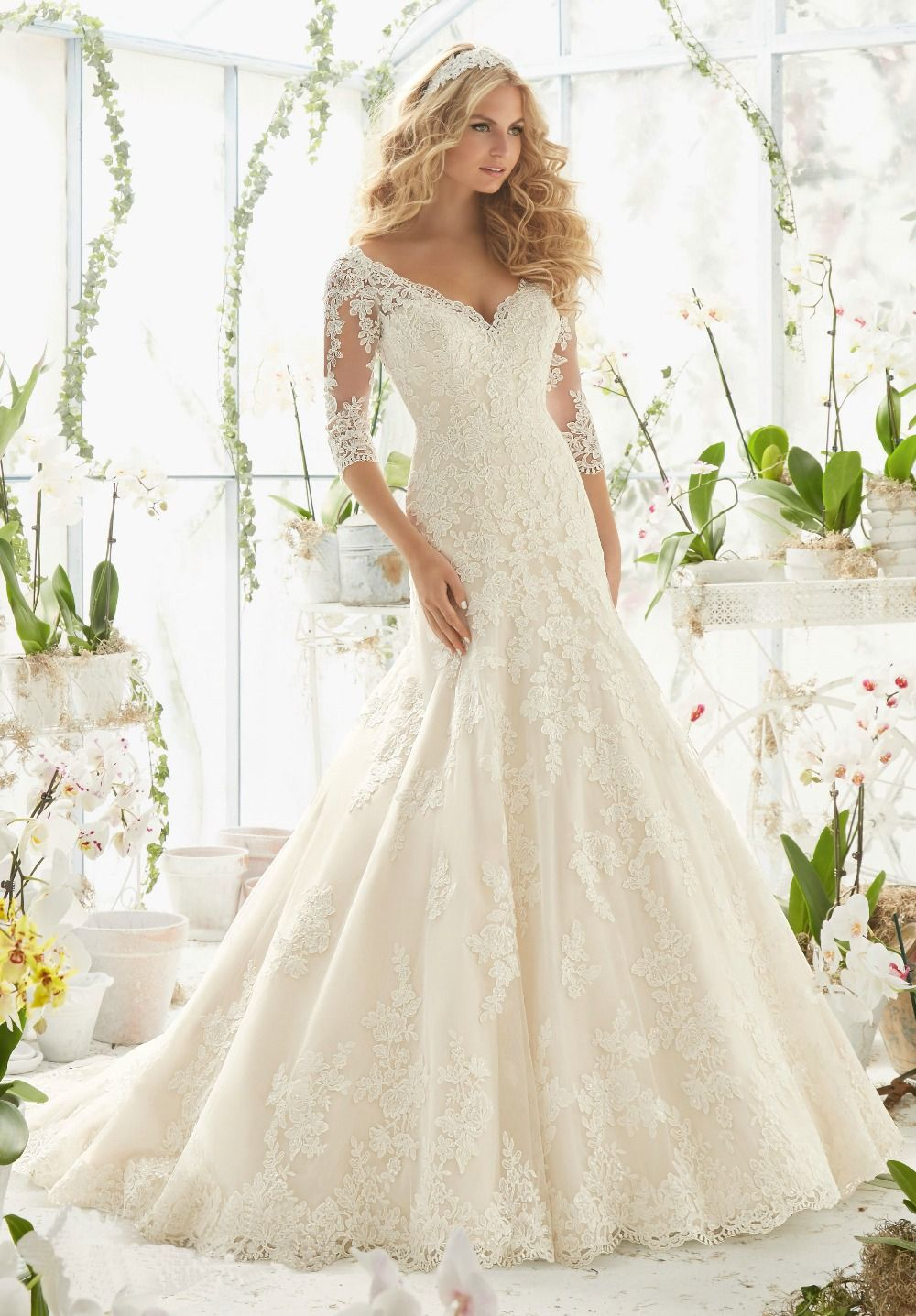 Find more wedding dresses information about new luxury latest