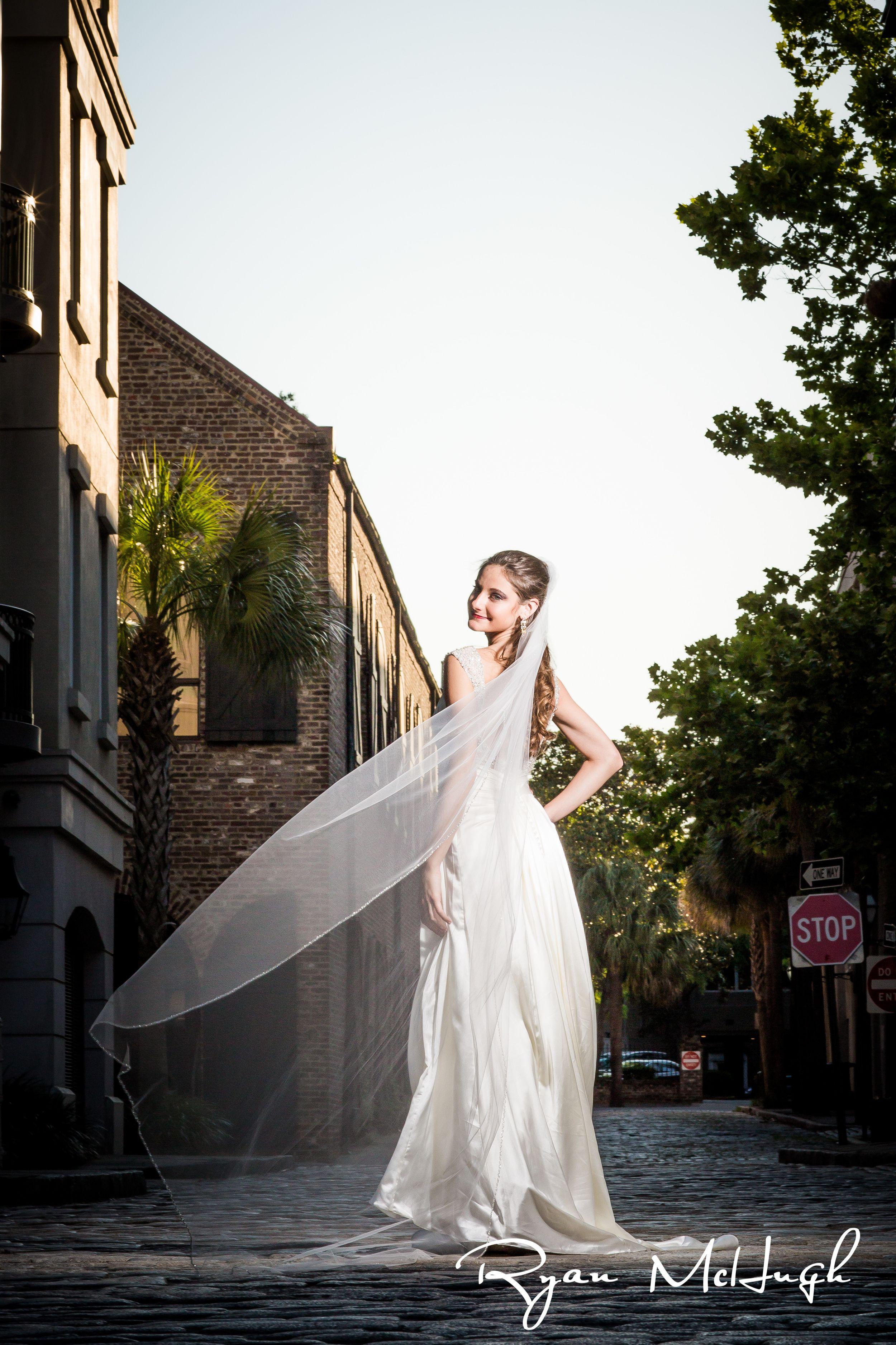 Charleston Wedding Photographer Ryan Mchugh Photography Charlestonweddings C Charleston Bride Charleston Wedding Photography Charleston Weddings Magazine