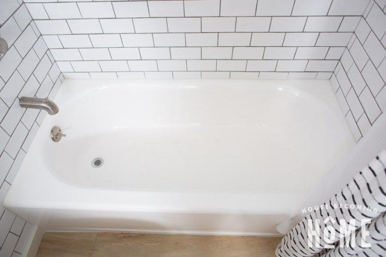How To Paint A Bathtub In 2020 With Images Tub Refinishing Bathtub Remodel Painting Bathtub