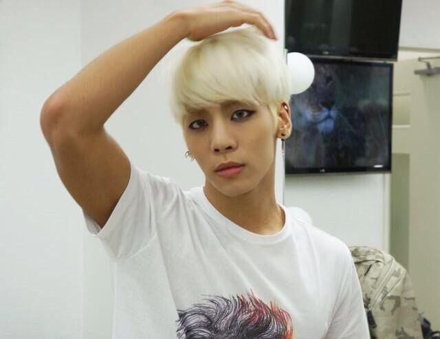 Jonghyun selca