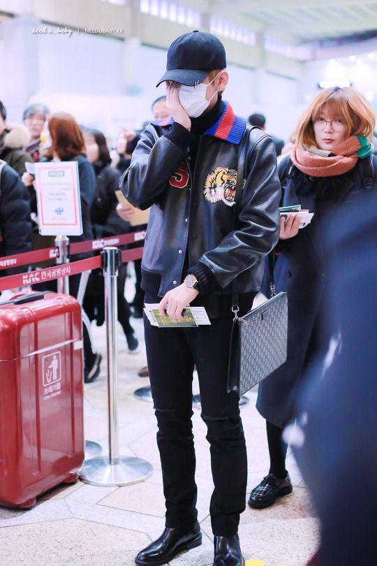 大人気K,POPグループ「防弾少年団」(BTS)のメンバー、キム・テヒョンこと、V(テテ)の空港でのファッションや私服を調査!  ファンからも支持されている彼のオシャレ