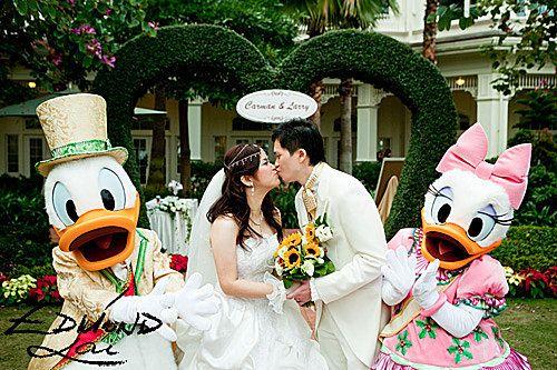 hong kong disneyland wedding carman larry magical day weddings a wedding atlas