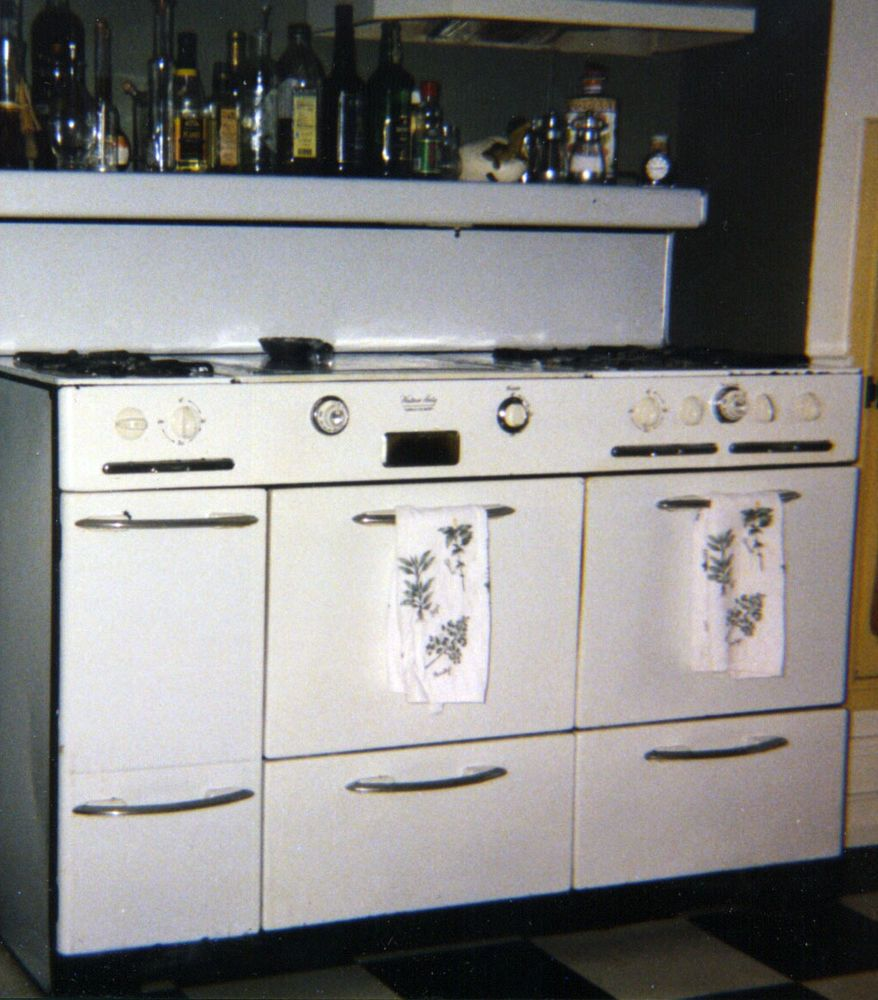 Western Holly Town Country Gas Stove