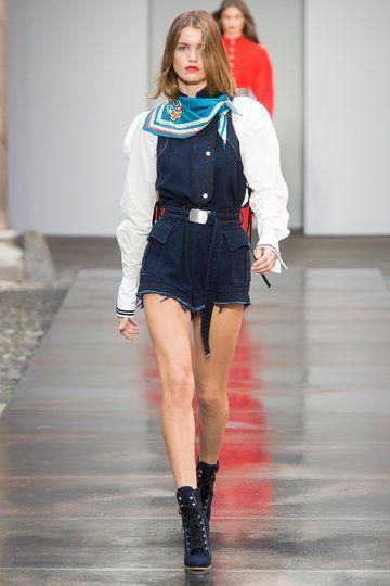 http://www.vogue.de/fashion-shows/kollektionen/fruehjahr-2018/mailand/philosophy-di-lorenzo-di-serafini/runway