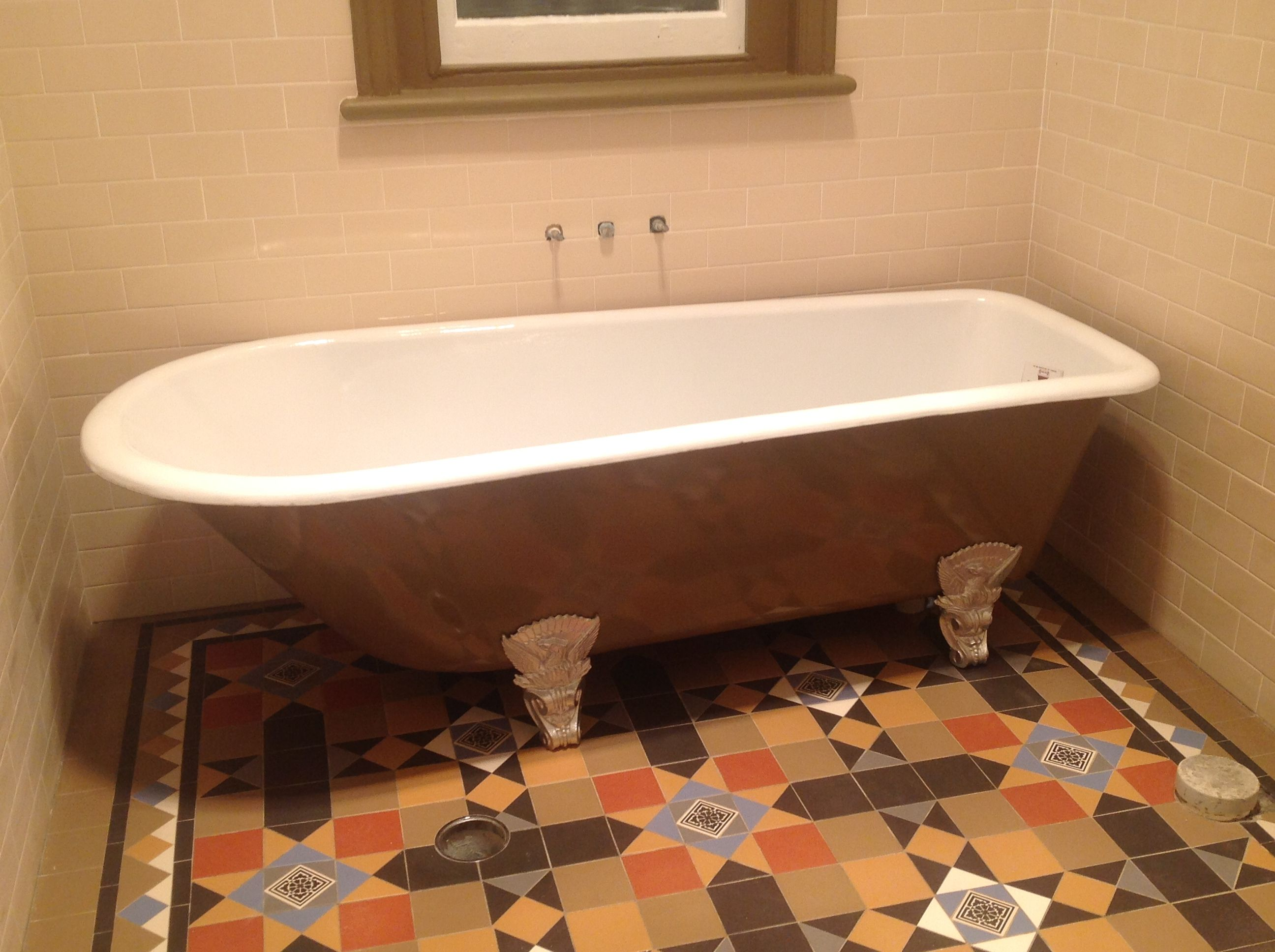 Victorian shape bath, made approximately 1860\'s fully restored with ...