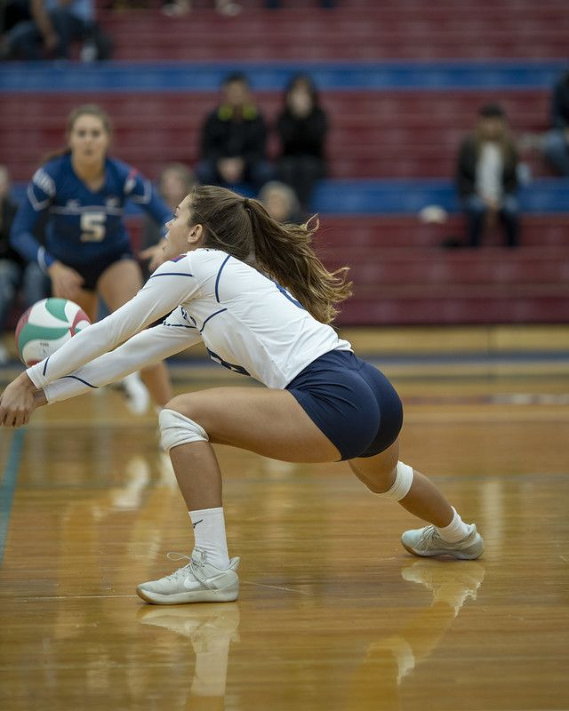 Cap V Viu In 2020 With Images Female Volleyball Players Volleyball Pictures Women Volleyball