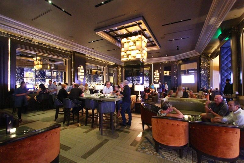 Vista Cocktail Lounge at Caesars Palace. (With images