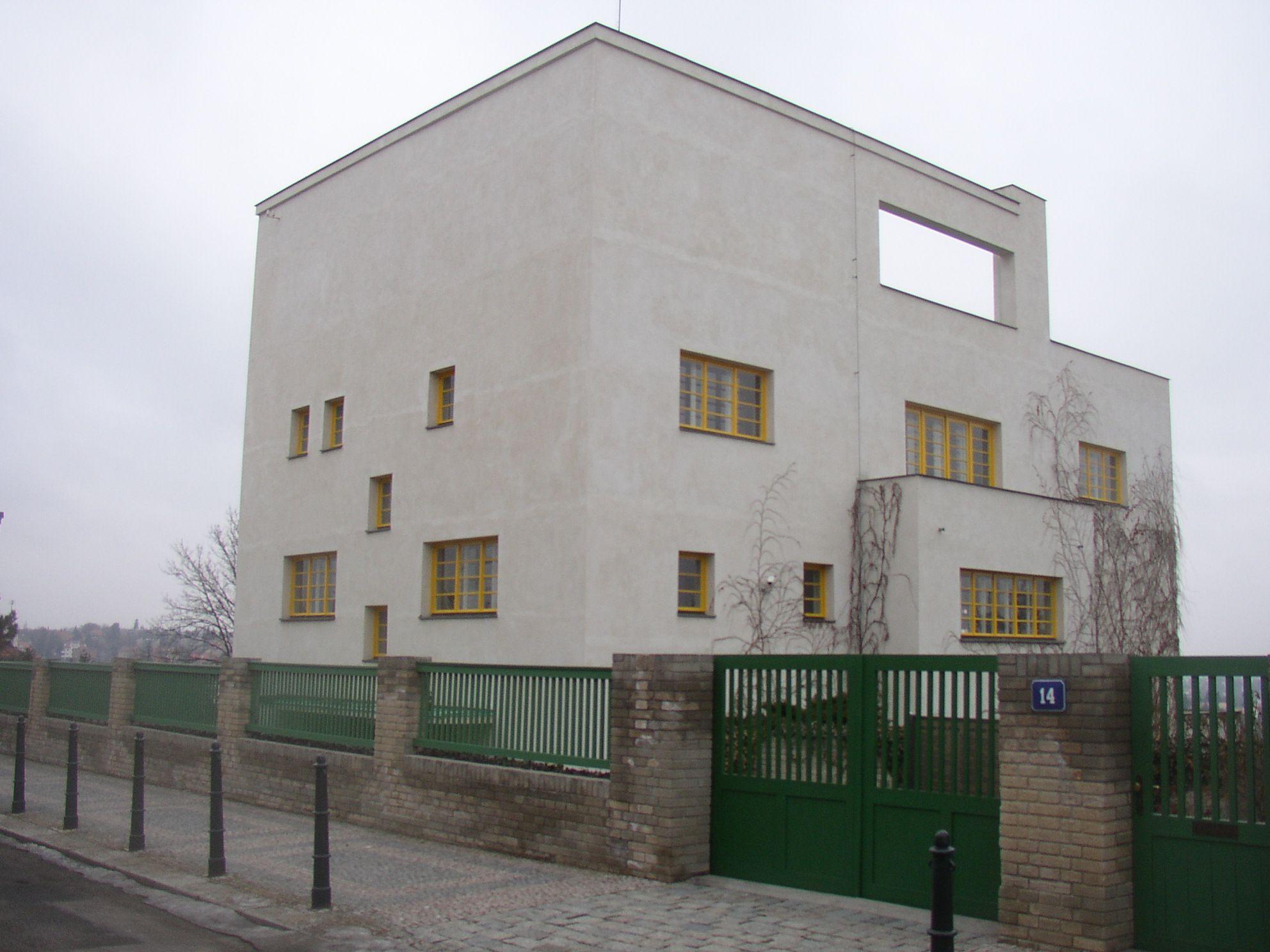 http://upload.wikimedia.org/wikipedia/commons/a/ae/Villa_Muller_071.jpg