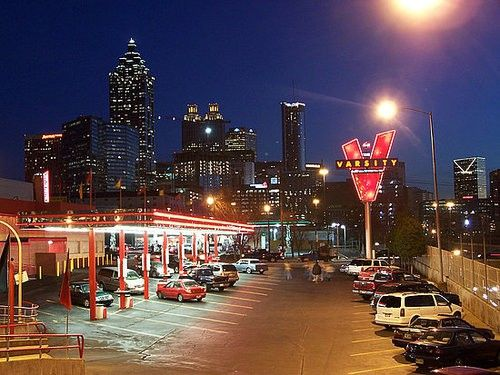 Atlanta Georgia The Iconic Fast Food Restaurant Varsity Has Been Operating In Downtown Since 1928 Favorite Places