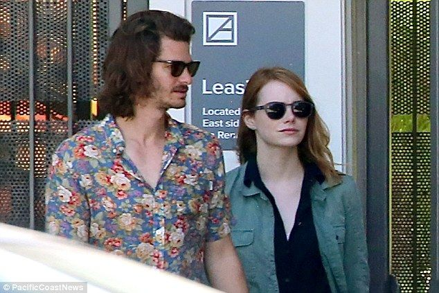 Andrew garfield currently dating
